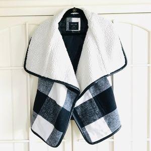 ✨NWOT Black & White Buffalo Plaid Check Vest